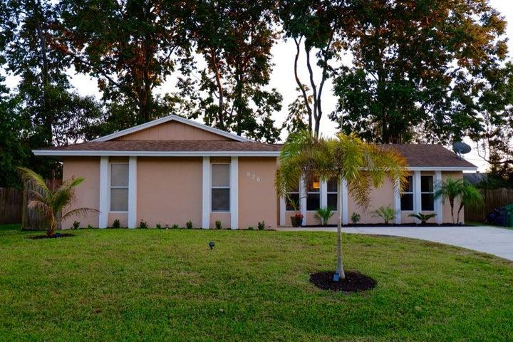826 SW Trouville Avenue, Port Saint Lucie, FL 34953