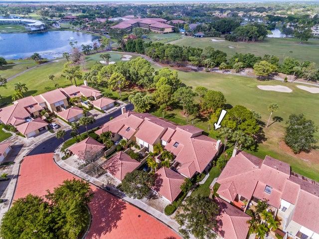 162 Old Meadow Way, Palm Beach Gardens, FL 33418