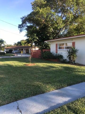 302 SW 10th Avenue, Boynton Beach, FL 33435