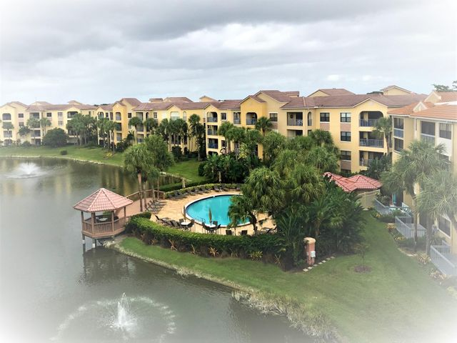 Great 2BR/2BA condo with eat-in kitchen and dining area in living room. Screened balcony overlooks pool and lake. Gated community with 2 pools, fitness center. This is an FHA loan approved development.