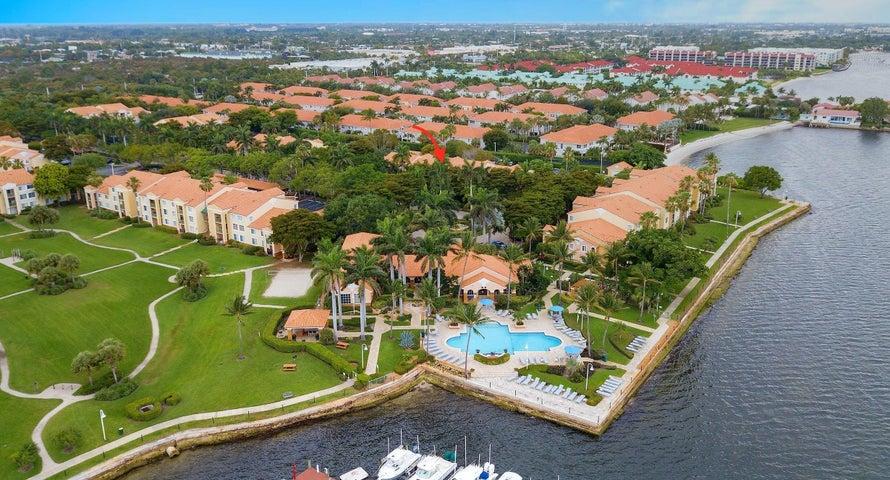 160 Yacht Club Way 107, Hypoluxo, FL 33462