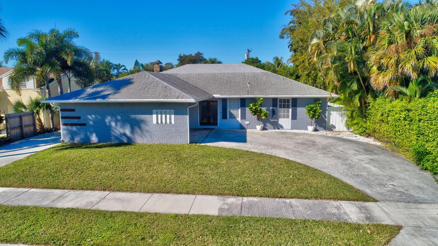 1111 S Palmway, Lake Worth Beach, FL 33460