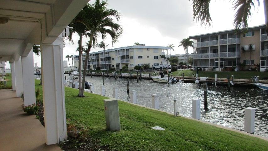 110 Shore Court 114, North Palm Beach, FL 33408