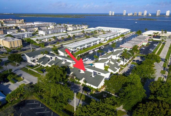 118 Castlewood Drive 127, North Palm Beach, FL 33408