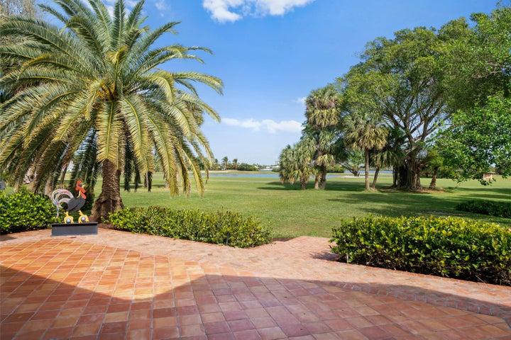 1428 N Lakeside Drive, Lake Worth Beach, FL 33460