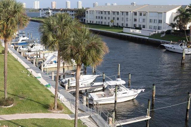 108 Paradise Harbor 409, North Palm Beach, FL 33408