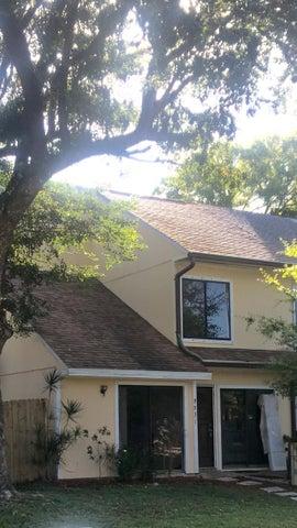 9031 Green Meadows Way, Palm Beach Gardens, FL 33418