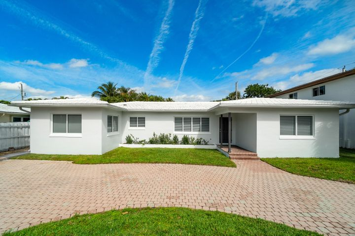 1182 Beach Road, Singer Island, FL 33404