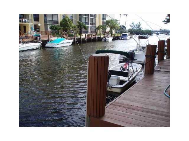 12 Royal Palm Way, 101, Boca Raton, FL 33432