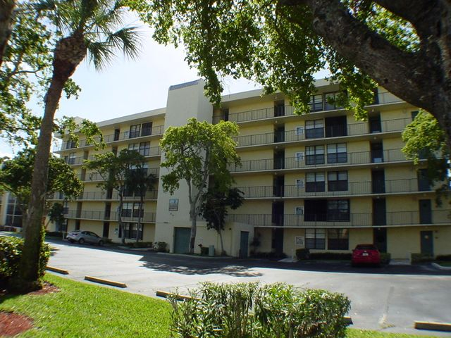 9 Royal Palm Way, 604, Boca Raton, FL 33432
