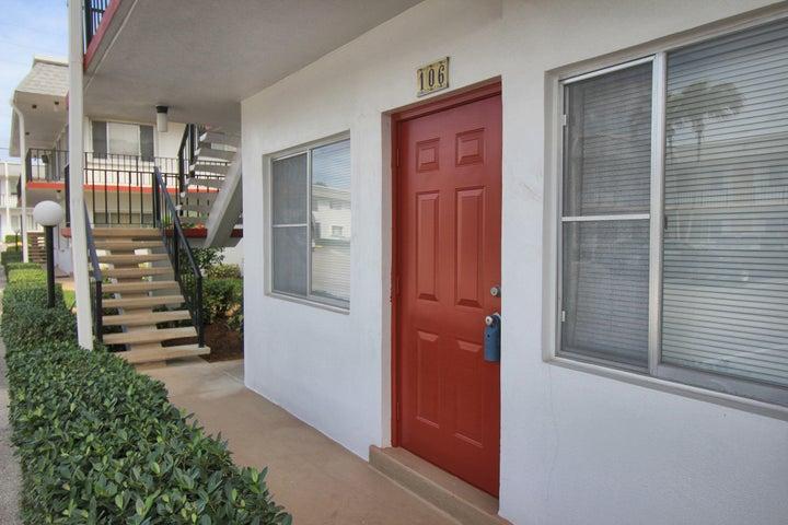 2960 Lake Osborne Drive, 106, Lake Worth, FL 33461