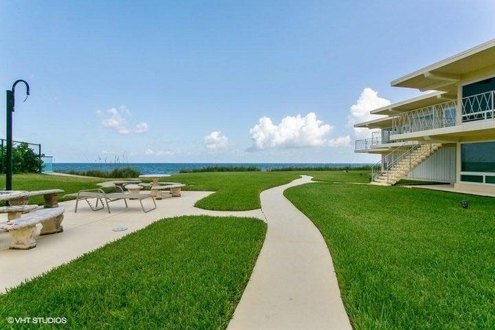 condado-entry with ocean view