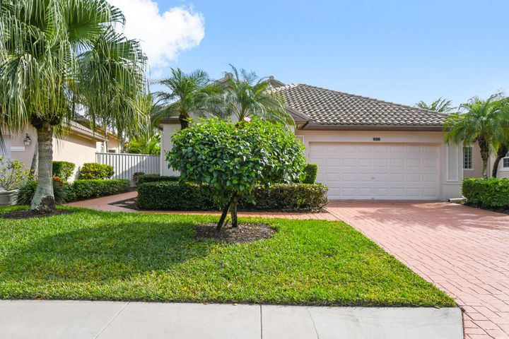 938 Augusta Pointe Drive N, Palm Beach Gardens, FL 33418