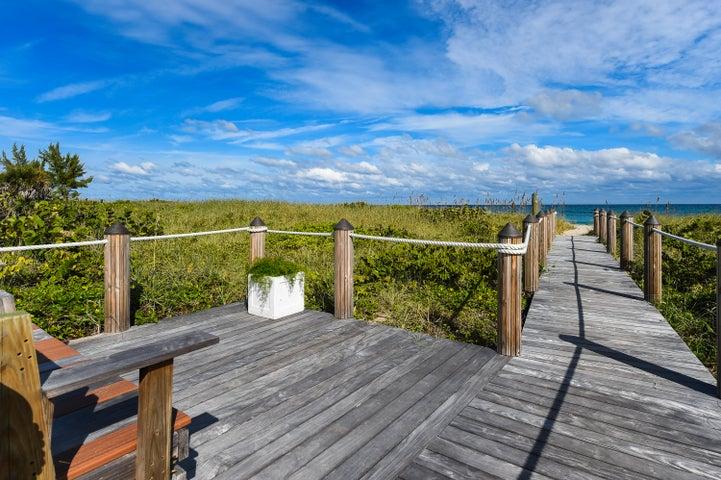 145 Ocean Avenue 404, Palm Beach Shores, FL 33404