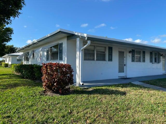 201 Leisure Lake Circle, 101, Boynton Beach, FL 33426