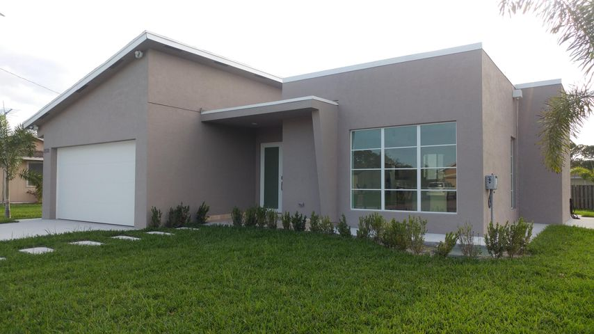 2026 SW Aquarius Lane, Port Saint Lucie, FL 34984