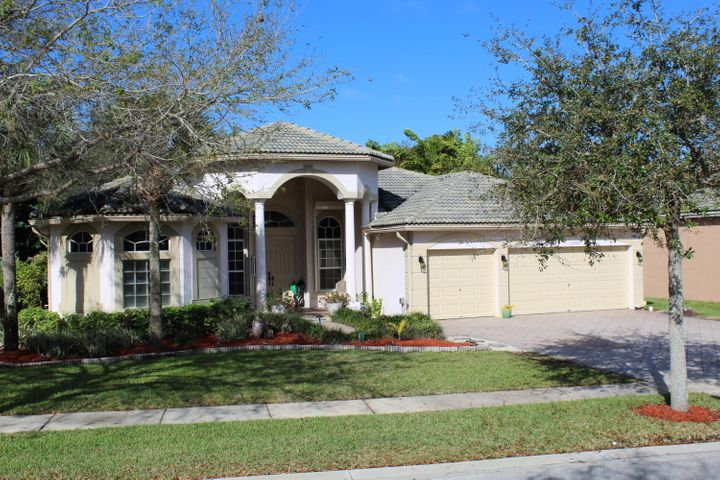 6069 Walnut Hill Drive, Lake Worth, FL 33467