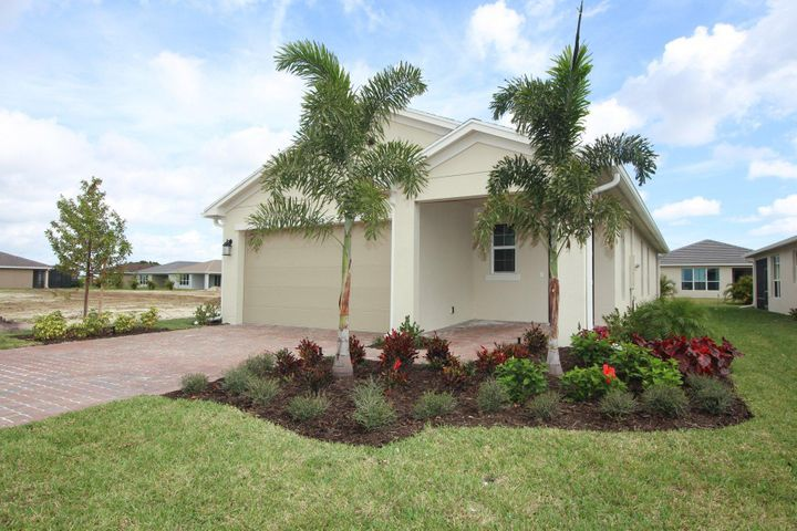 9529 SW Royal Poinciana Drive, Port Saint Lucie, FL 34987