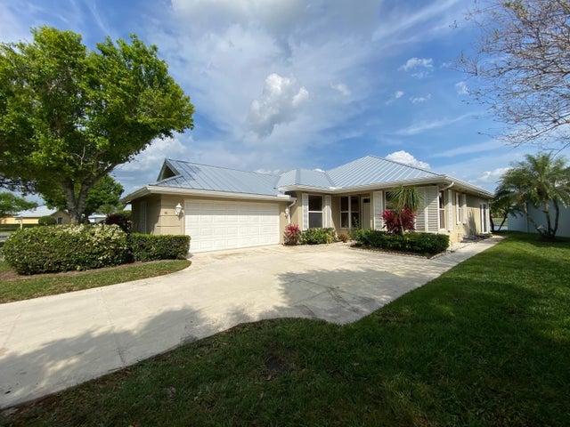 2119 SW Mayflower Drive, Palm City, FL 34990