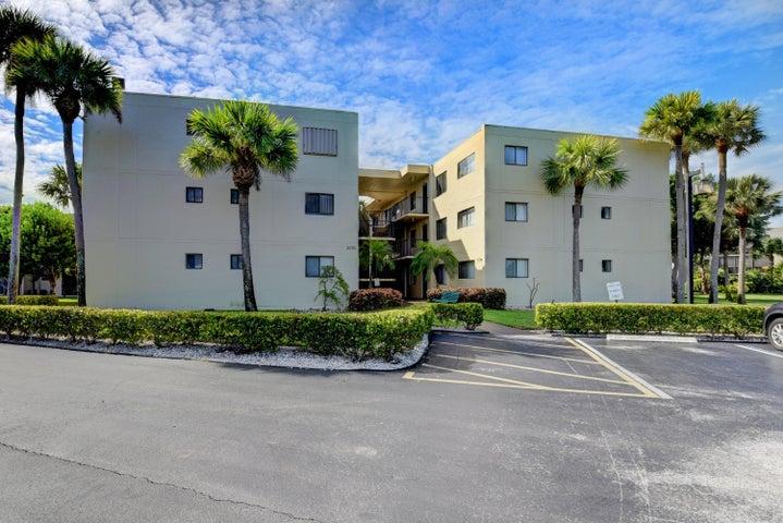 5130 Las Verdes Circle 220, Delray Beach, FL 33484