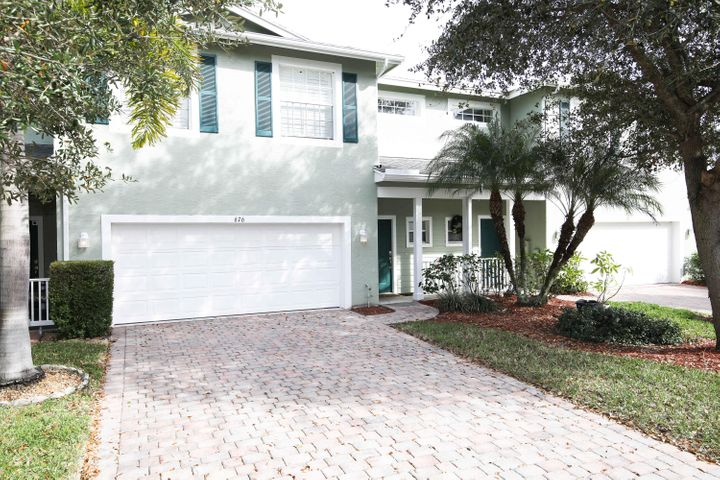 676 NE Bent Paddle Lane, Port Saint Lucie, FL 34983