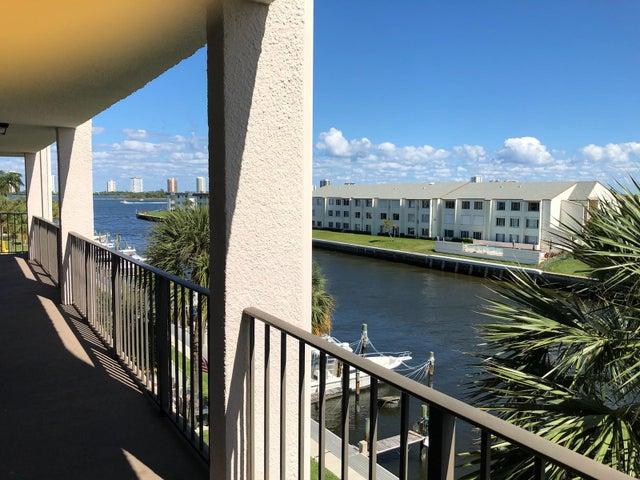 108 Paradise Harbour Boulevard 405, North Palm Beach, FL 33408