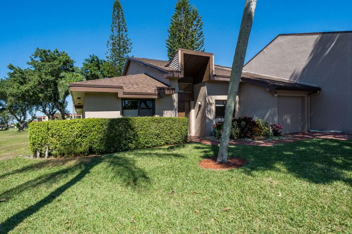 6757 Versailles Court, Lake Worth, FL 33467