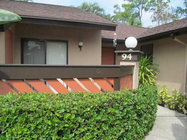 94 Rose Bay Court NW, 94, Royal Palm Beach, FL 33411