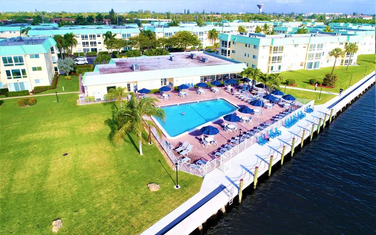 33 Colonial Club Drive, 201, Boynton Beach, FL 33435