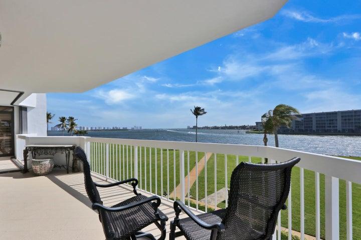 115 Lakeshore Drive 248, North Palm Beach, FL 33408