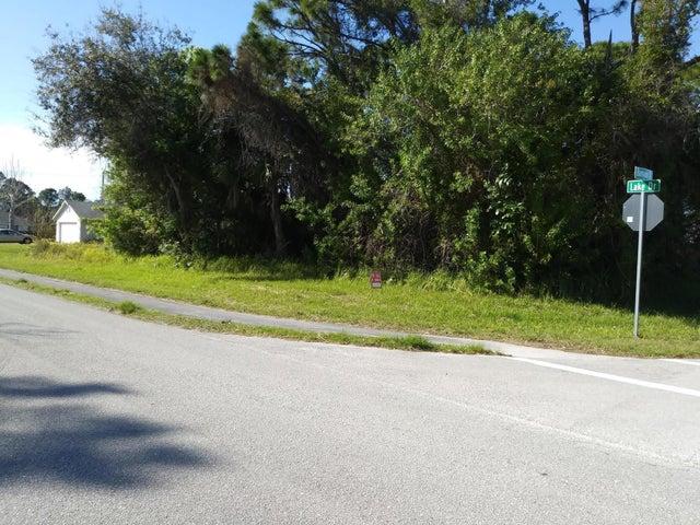 474 Banyan Street, Sebastian, FL 32958