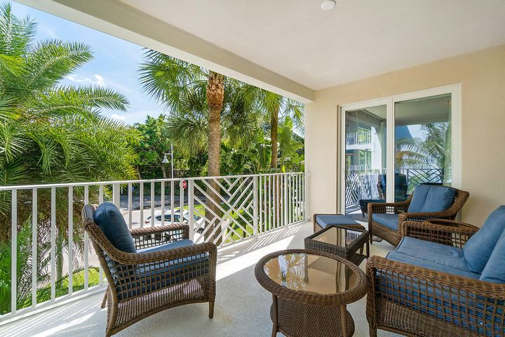 825 Bay Colony Drive S, Juno Beach, FL 33408