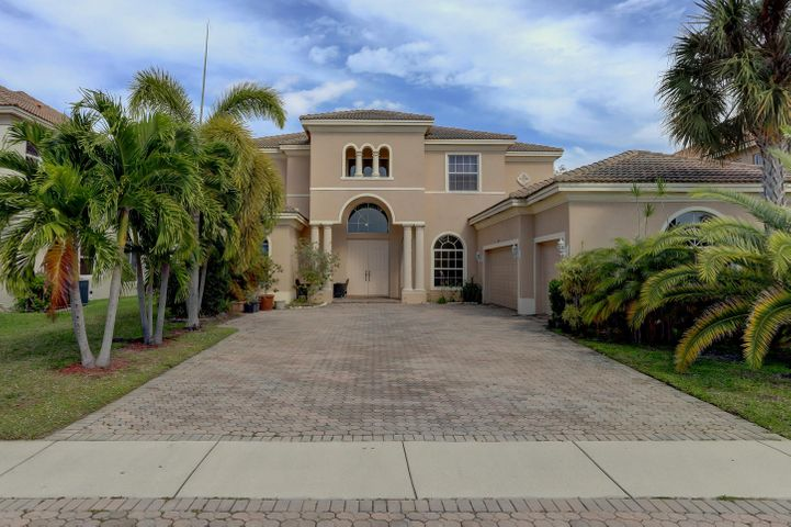 9117 Pineville Drive, Lake Worth, FL 33467