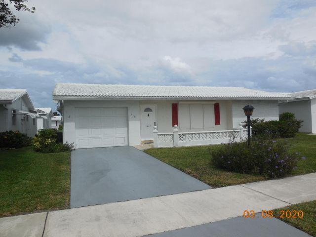 716 SW 18th Street, Boynton Beach, FL 33426