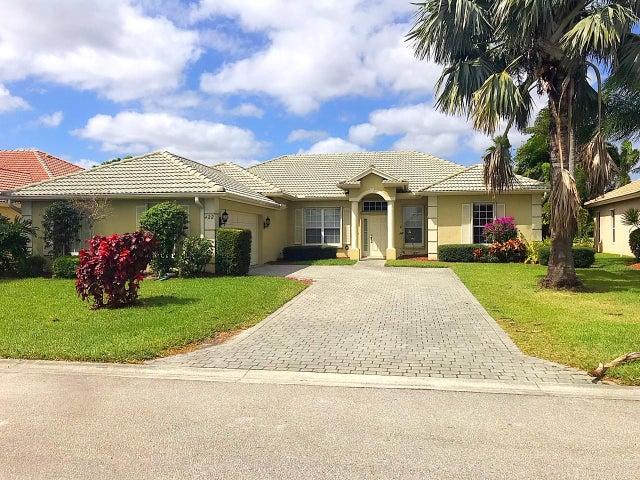 422 NW Dover Court, Port Saint Lucie, FL 34983