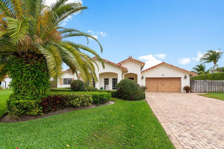 3615 S Lake Drive, Boynton Beach, FL 33435