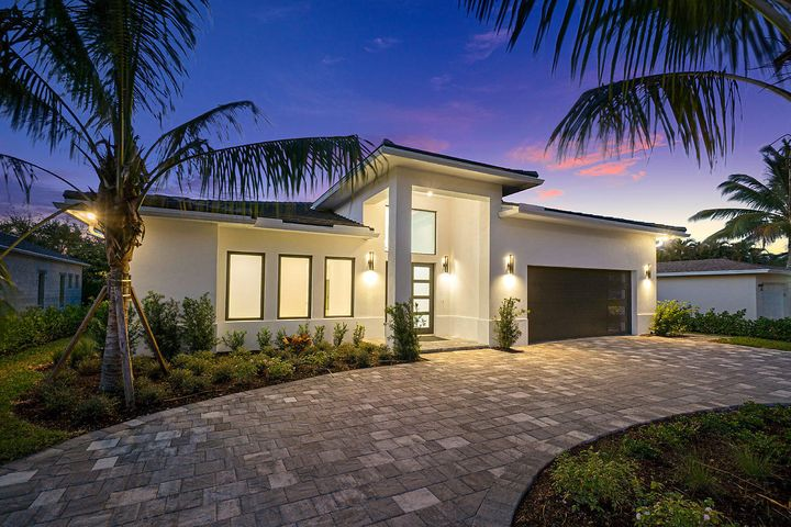 303 NW 18th Street, Delray Beach, FL 33444