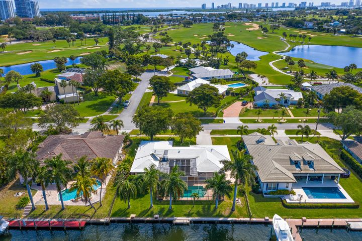 1105 Country Club Drive, North Palm Beach, FL 33408