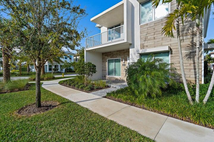 1069 Faulkner Terrace, Palm Beach Gardens, FL 33418
