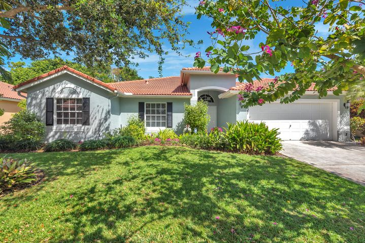4827 N Lee Road, Delray Beach, FL 33445