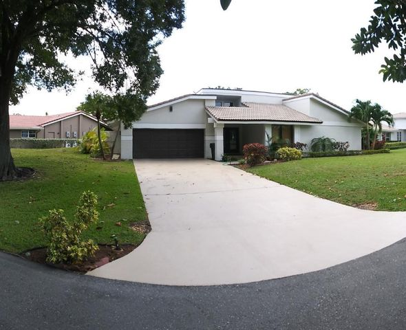 678 Lakewoode Circle E, Delray Beach, FL 33445