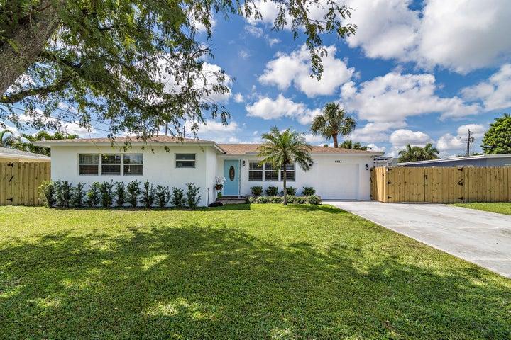6611 Lake Clarke Drive, Lake Clarke Shores, FL 33406