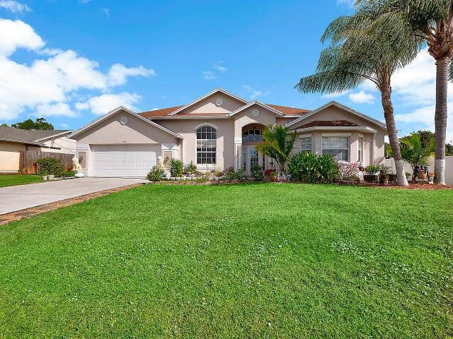 555 SW Nautical Avenue, Port Saint Lucie, FL 34984