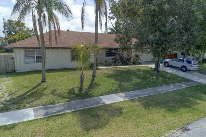 340 SW 10th Avenue, Boynton Beach, FL 33435