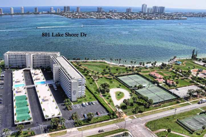 801 Lake Shore Drive 215, Lake Park, FL 33403