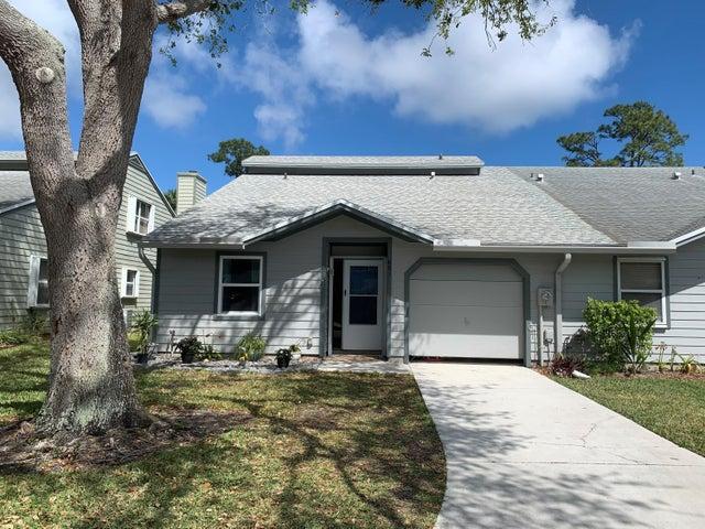 681 NE Wax Myrtle Way, Jensen Beach, FL 34957