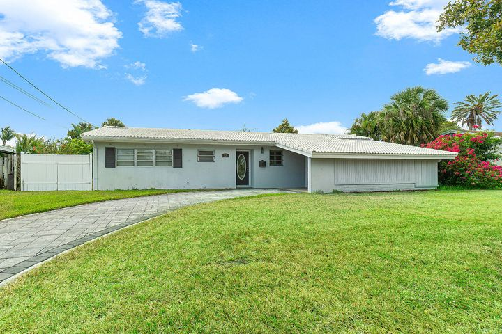 736 Lighthouse Drive, North Palm Beach, FL 33408