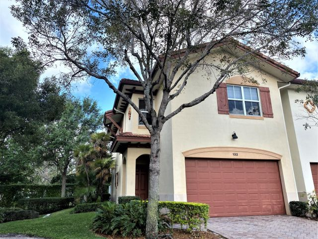 132 W Prive Circle, Delray Beach, FL 33445
