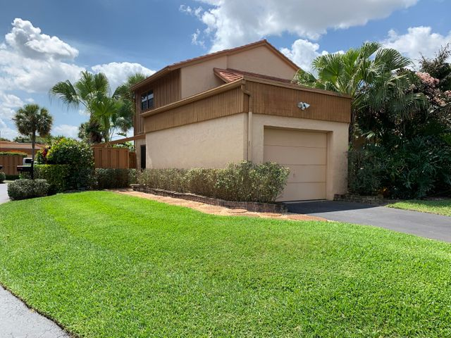 5365 Stonybrook Lane, Boynton Beach, FL 33437