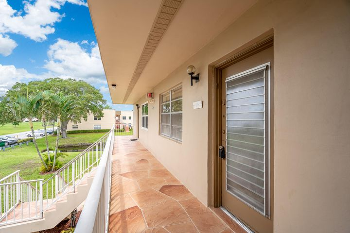 842 Normandy R Lane, Delray Beach, FL 33484
